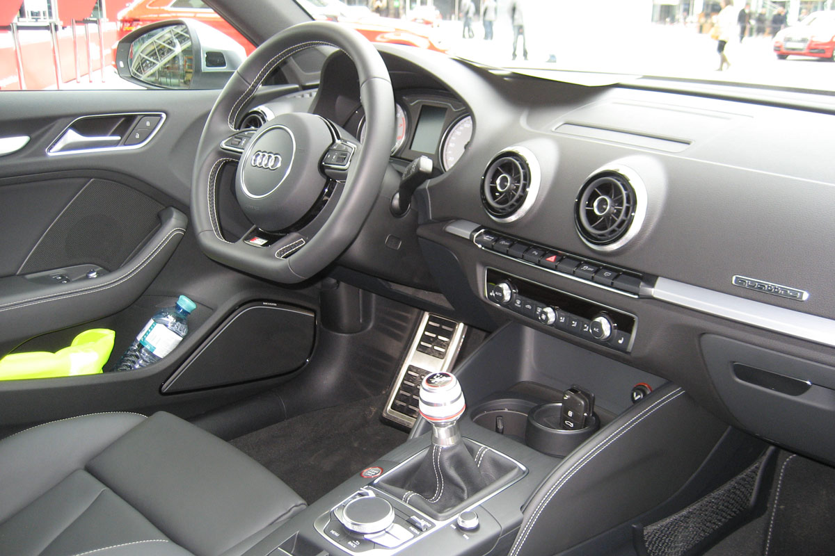 audi-s3-interior-manuell