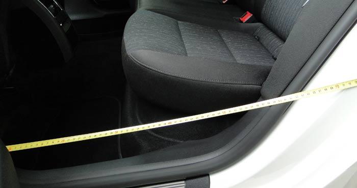 Škoda Superb Combi. Acceso plazas posteriores