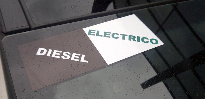 Pues eso, nuestro Peugeot 3008 HYbrid4 era Diesel y eléctrico.