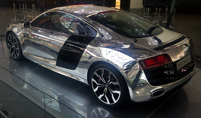 Audi R8 cromado