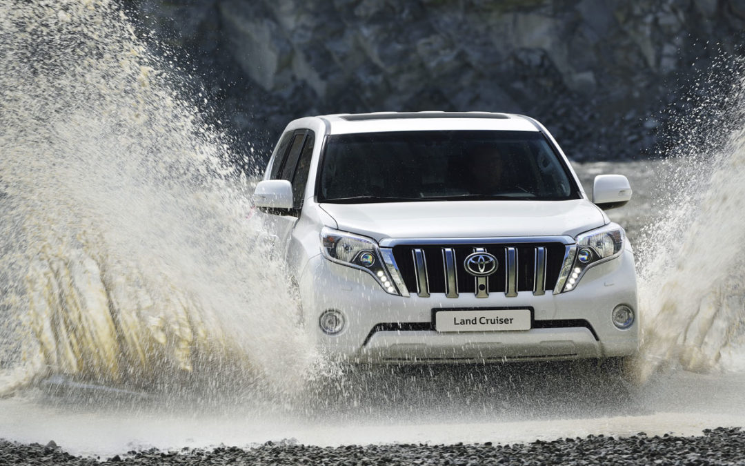 Toyota actualiza el Land Cruiser (fotos+vídeo)