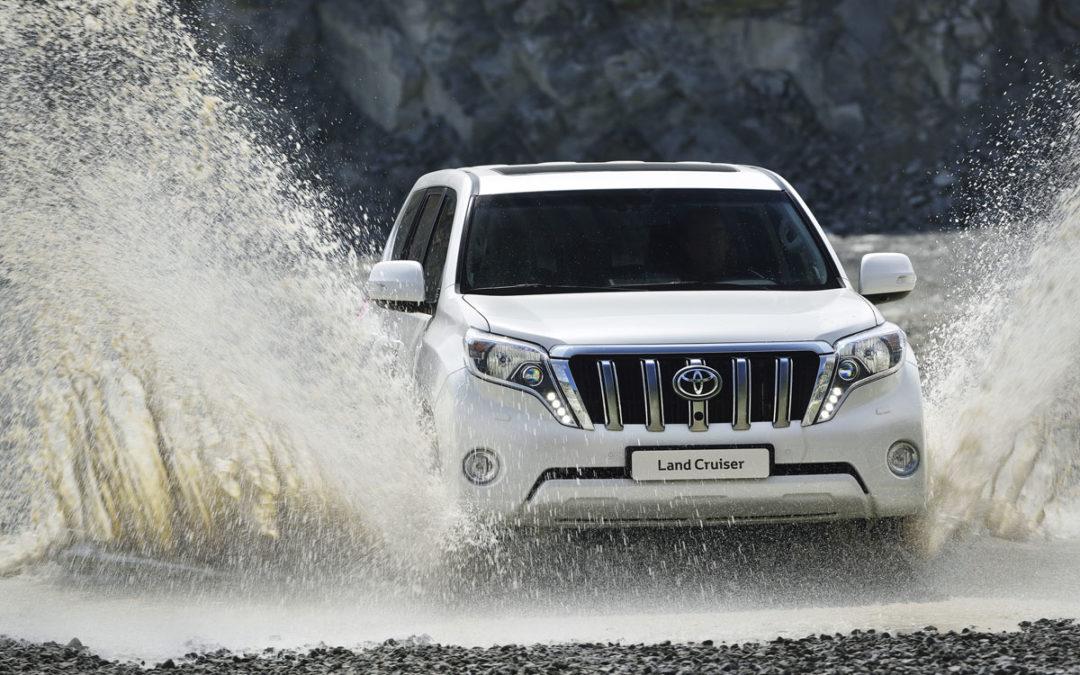 Toyota actualiza el Land Cruiser (fotos+vídeo)