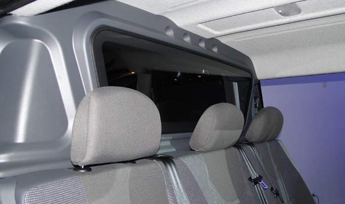 Toyota Proace. Segunda fila de asientos y mampara separadora