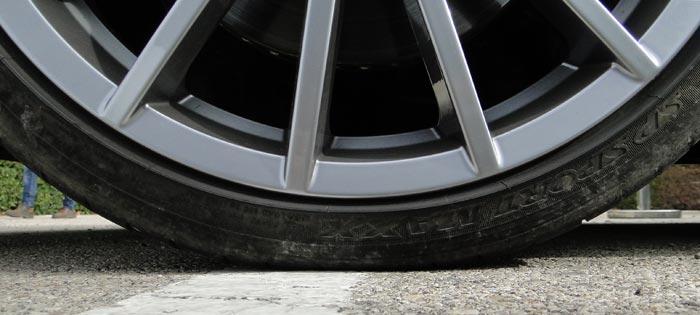 Volkswagen Polo R WRC. Neumáticos 215/35 R18