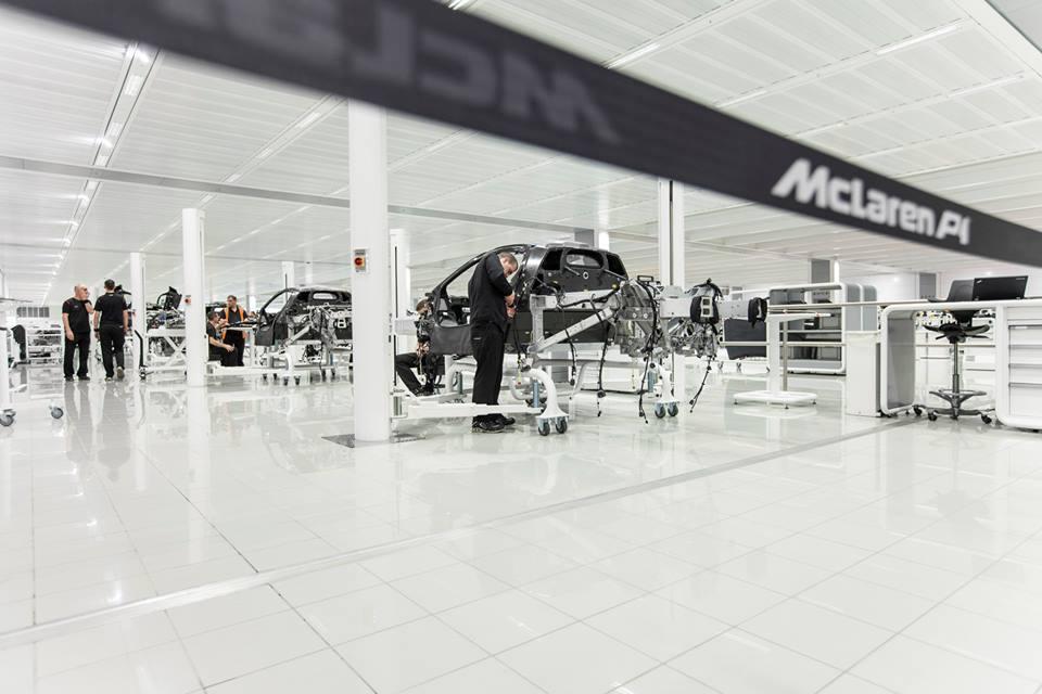 McLaren nos informa que el P1 ha entrado en la cadena de montaje