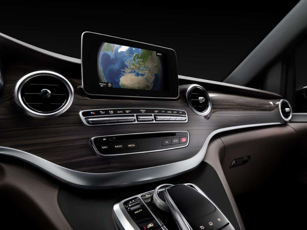 The new Mercedes-Benz V-Class ? Interior, Cockpit, Central Display, TecDays 2013