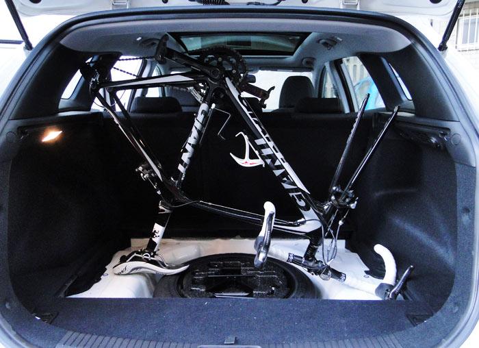 En Hyundai i30 CW no tiene un maletero con tanta altura como el del Volkswagen Golf
