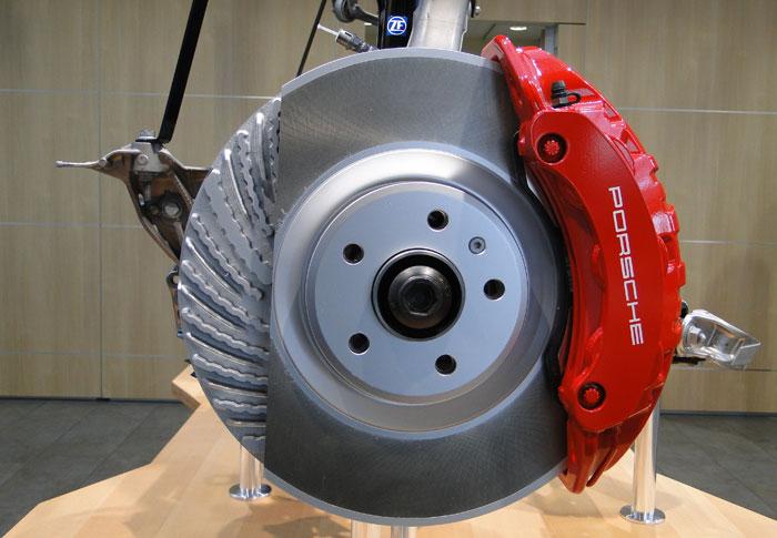 Frenos de disco de acero del Porsche Macan Turbo