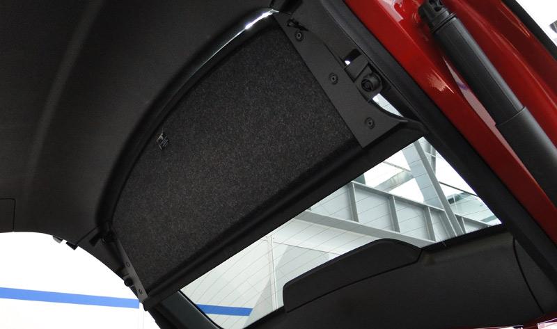 BMW X4. Portón