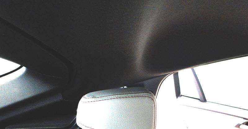 BMW X4. Reposacabezas plazas traseras y altura libre al techo