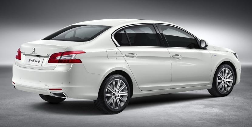 Ford recupera la denominación Escort para una berlina de 4 puertas