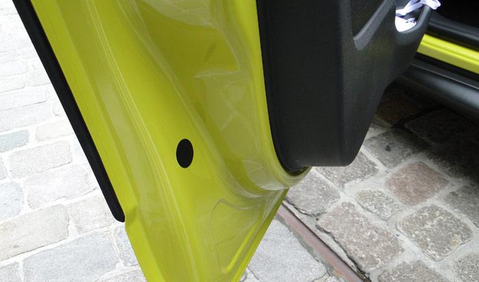 Citroën C4 Cactus. Detalle fijación de los Airbumps