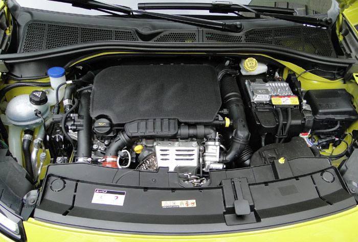 Citroën C4 Cactus. Motor 1.2 e-THP