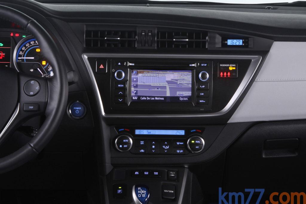 Toyota Auris 2014 _2