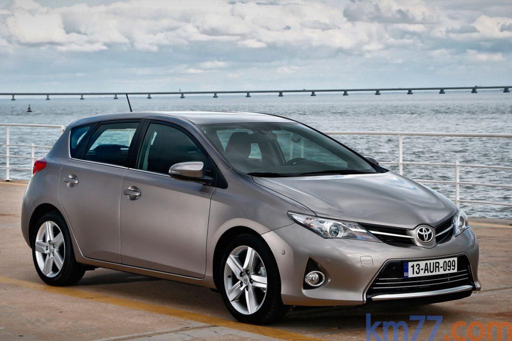 Toyota Auris 2014 _3