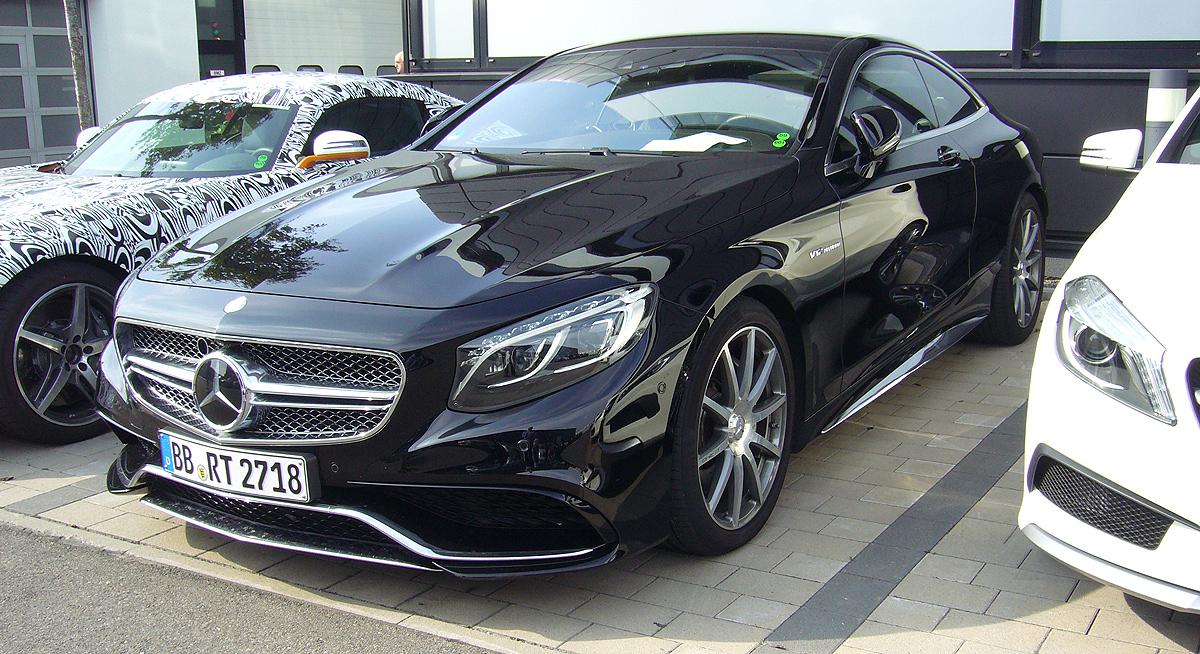 Clase S Coupé AMG. Uno parecido al que probamos hace pocos meses y con el que fuimos de Madrid a Sttutgart.