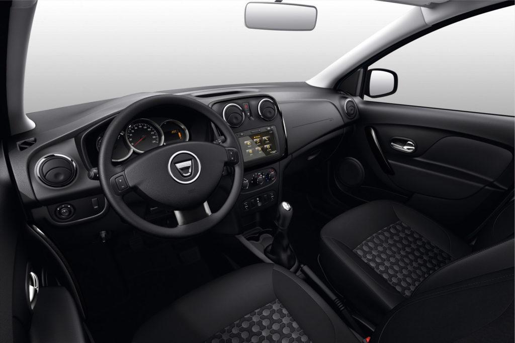 Dacia-Sandero-Black-Touch-8