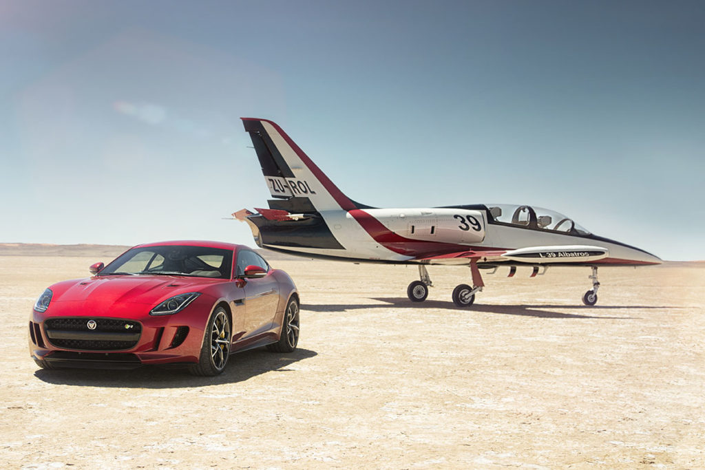 Jag_FTYPE_AWD_Bloodbound_Image_061114_04