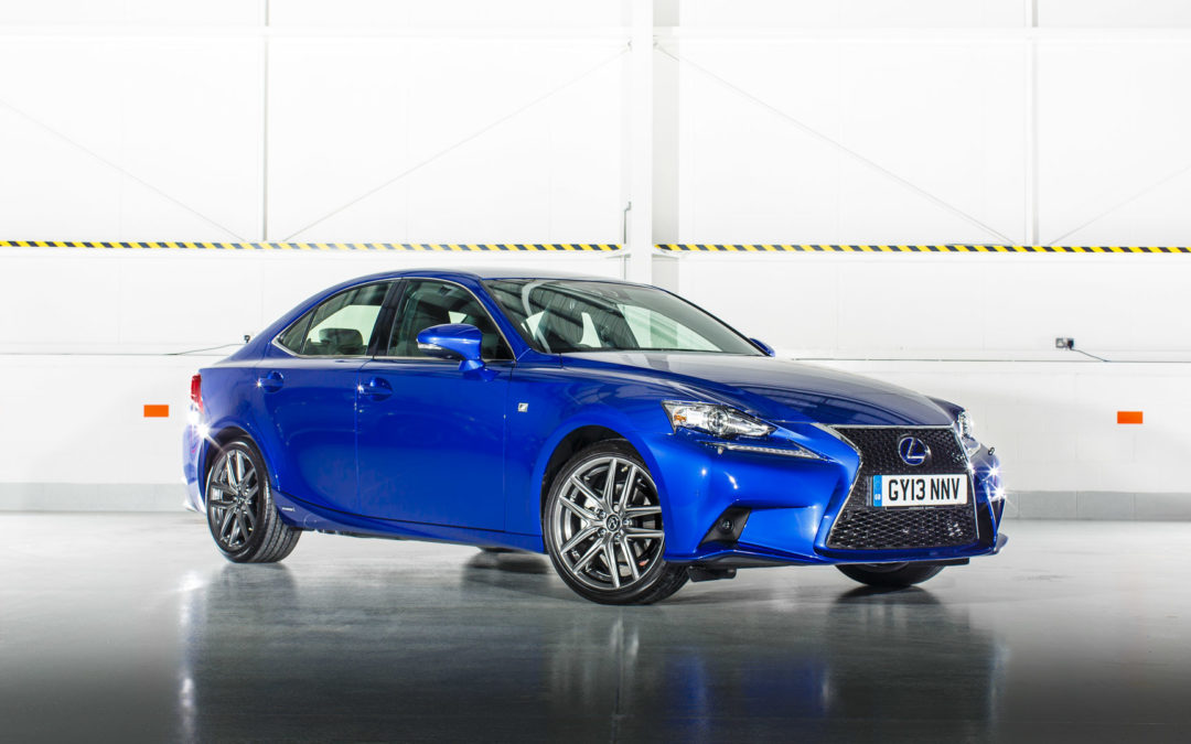 Lexus IS 300 h gama 2015
