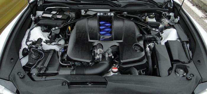 Motor de ocho cilindros del Lexus RC F