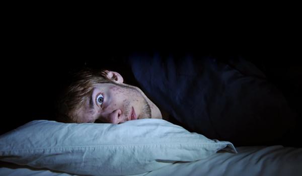 Amantes del insomnio, yo os saludo