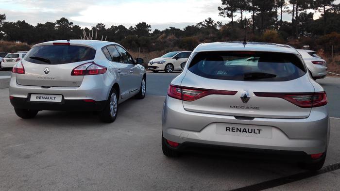Renault Mégane III (izq.) y Renault Mégane IV (dcha.). Vista posterior.