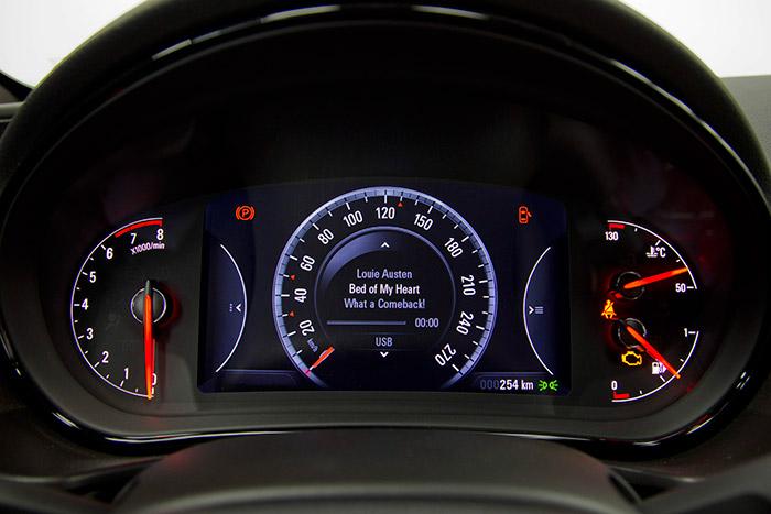 BMW X3, ahora con un motor Diesel de 143 CV por 37.900 €.