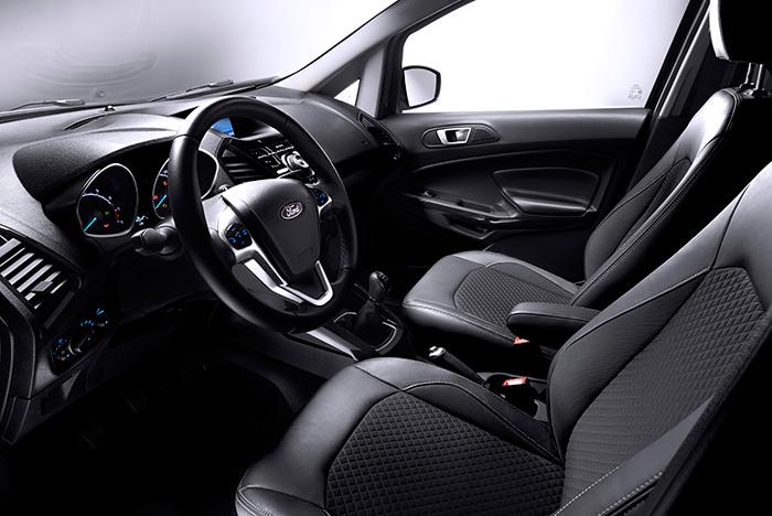 Actualmente, el diseño interior de casi cualquier vehículo de uso particular tiende a ser muy similar dentro de cada marca, con total independencia de que se trate de una berlina, un deportivo, un familiar, un SUV o un MPV.