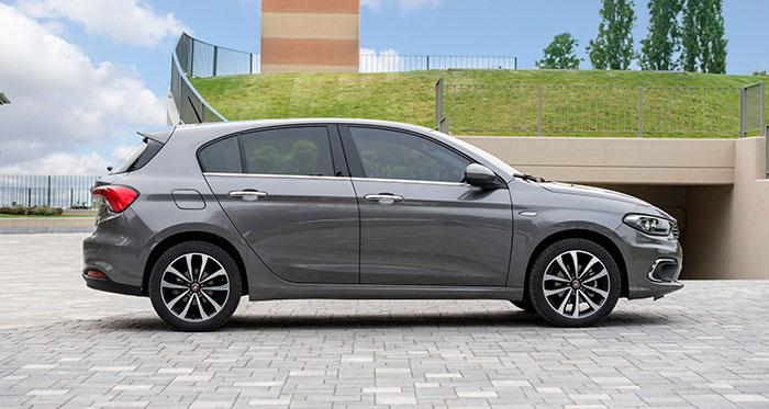 También en el caso del 5P existe una cierta similitud con el Opel Astra, especialmente con el de la generación anterior. Dos coches con muy buena planta.