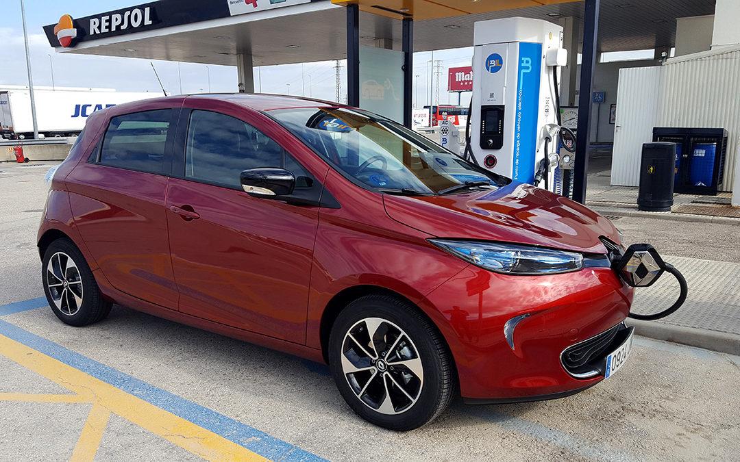 Los inconvenientes del coche eléctrico (II). De Madrid a Zaragoza en un Renault ZOE.