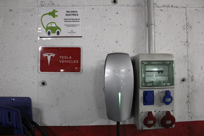 01 Parador de Lerma- Cargador de Tesla