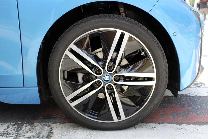 02-Bilbao Rallye-BMW-front-Tire