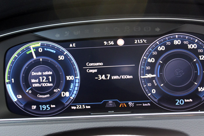 13 Volkswagen eGolf -Cargar -34.7kWh