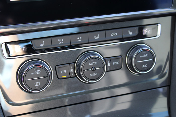17 Volkswagen eGolf- Aircondition button