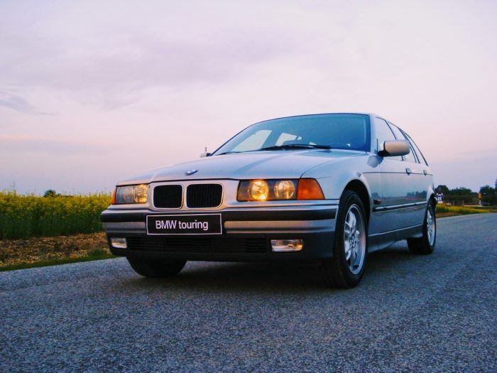 BMW 328i Touring E36
