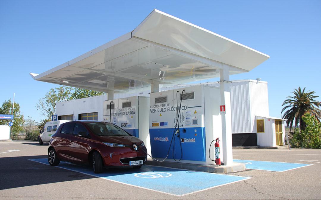 Los inconvenientes del coche eléctrico (III). El ZOE y las recargas.