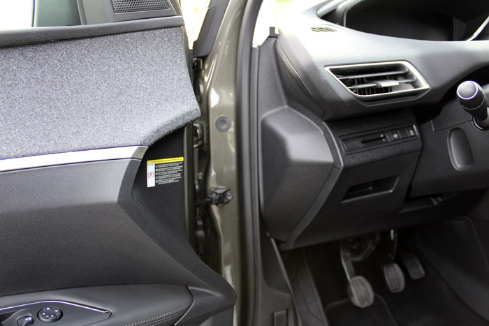 03-Peugeot 3008