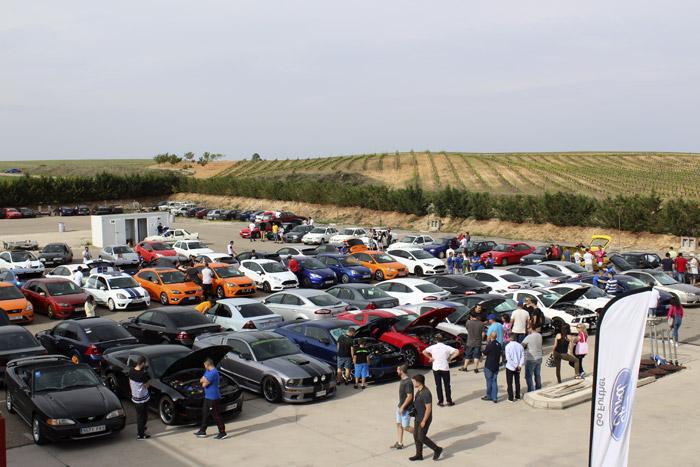 04-Ford Fans Only-Coches en la Preparacion