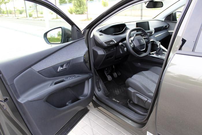 04-Peugeot 3008