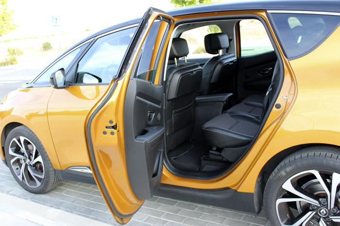 04-Renault Scenic-Left Door