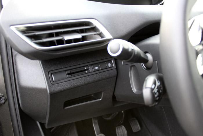 06-Peugeot 3008