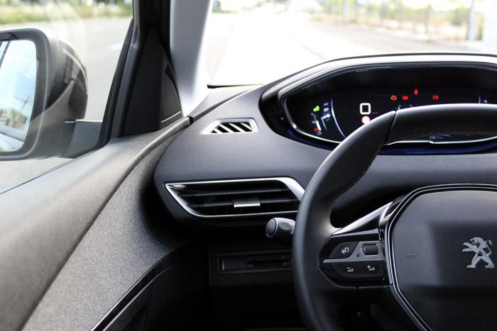 08-Peugeot 3008-Salida de aire derecha