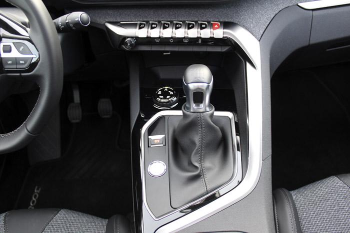 13-Peugeot 3008- Engranaje