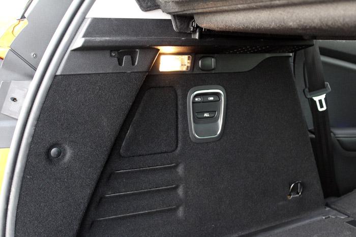 Lexus CT 200h en venta desde 28.850 euros.