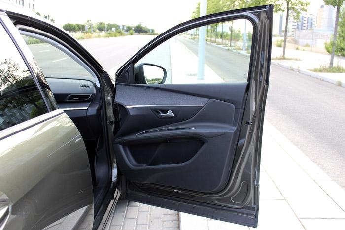 17-Peugeot 3008- Puerta principal Izquierda