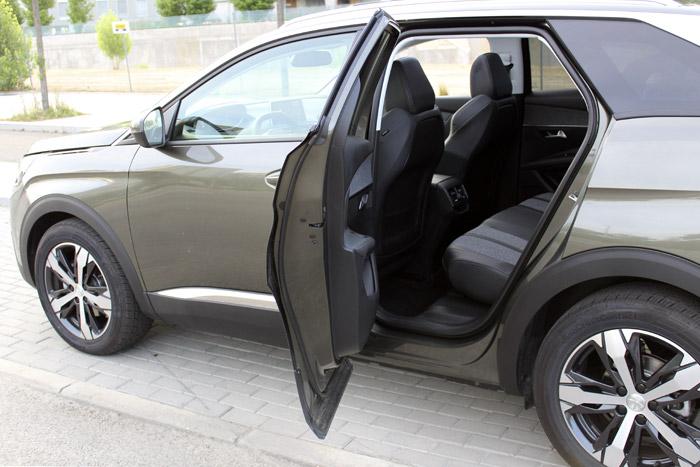 23-Peugeot 3008