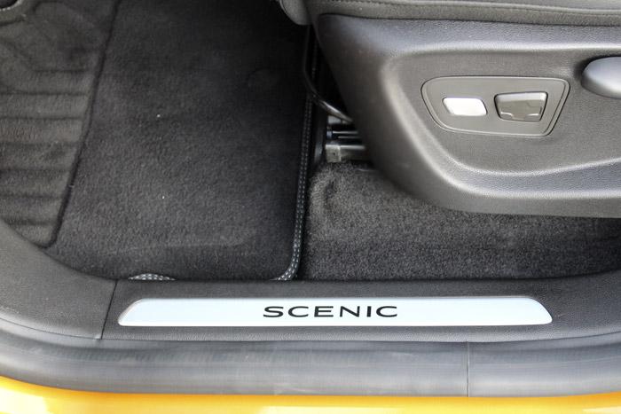 23-Renault Scenic