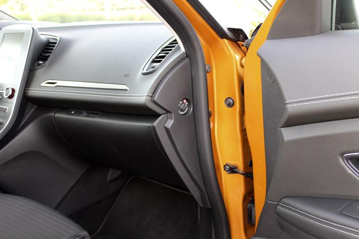 28-Renault Scenic