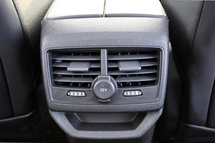 29-Peugeot 3008
