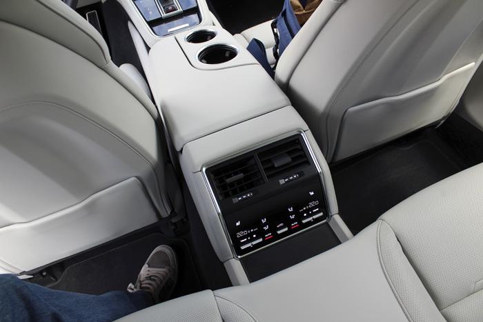 Porsche Panamera Sport Turismo Acceso